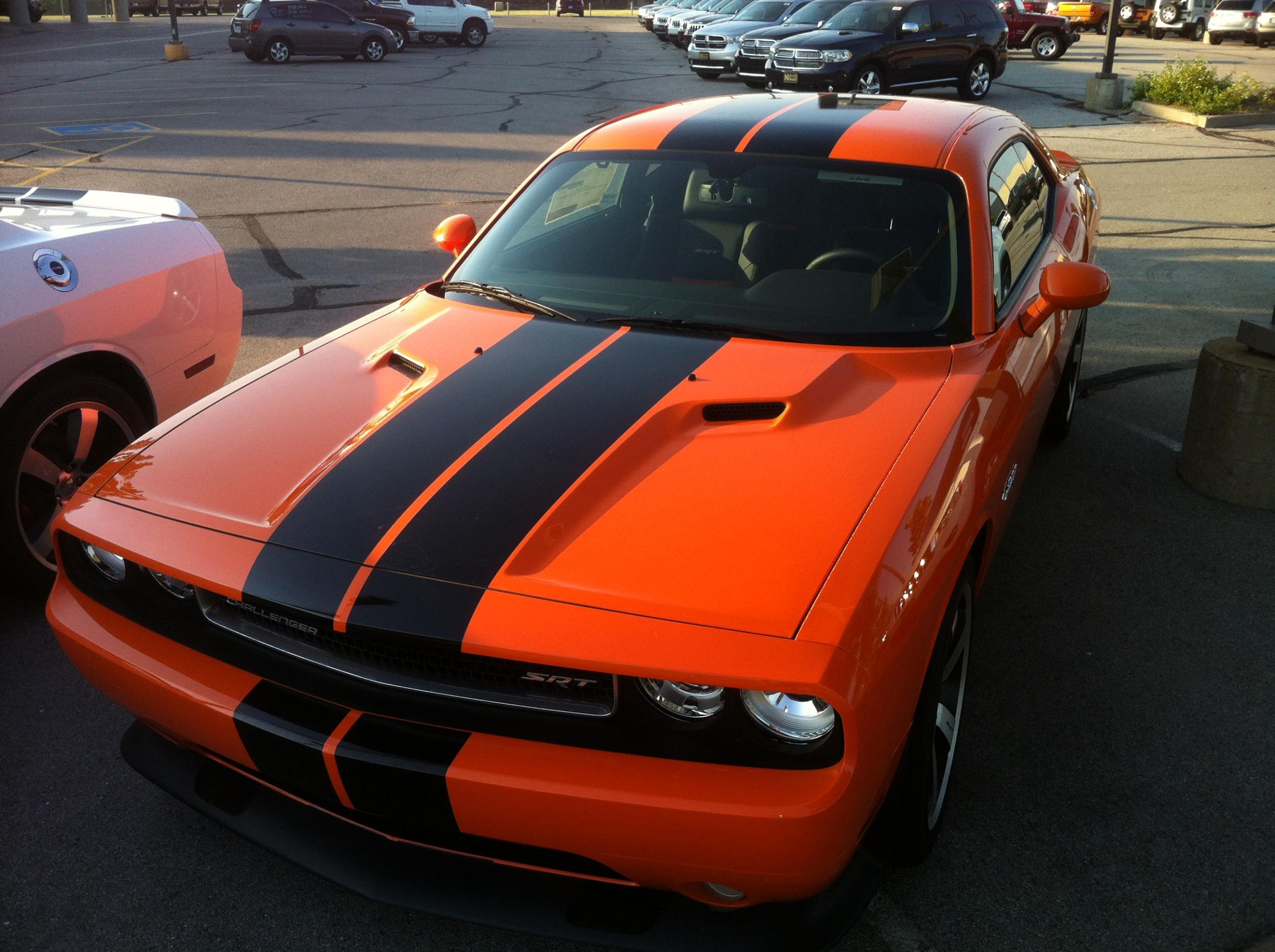 Hemi and Header Orange Challengers-008.jpg