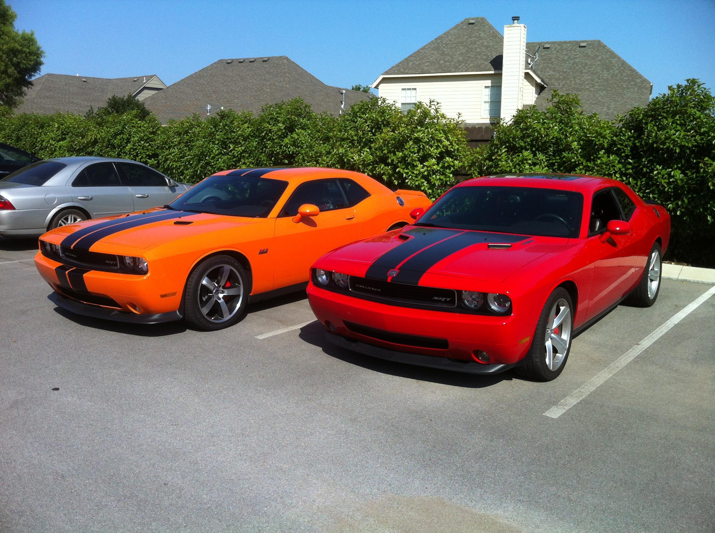 Hemi and Header Orange Challengers-042.jpg