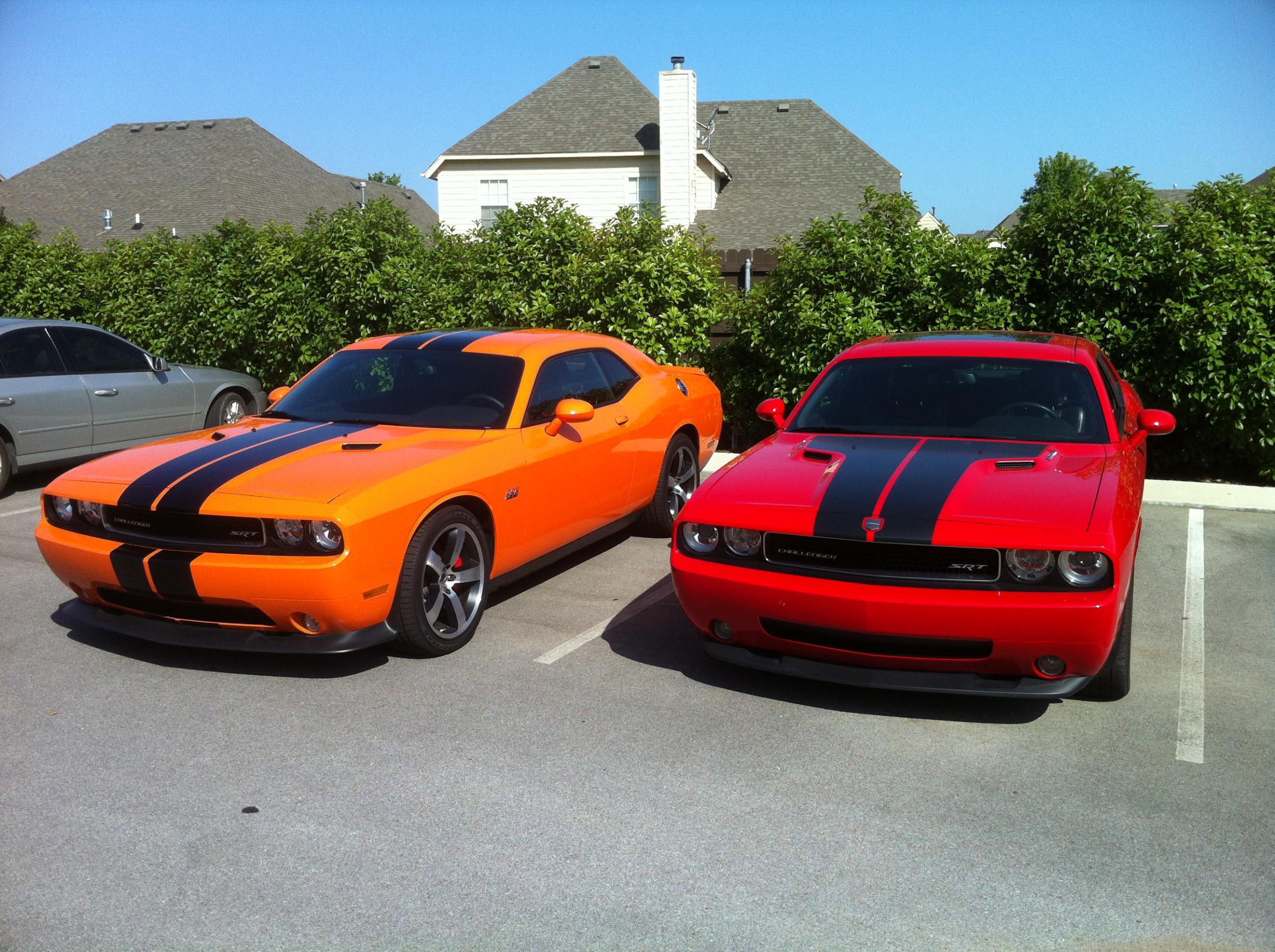 Hemi and Header Orange Challengers-044.jpg