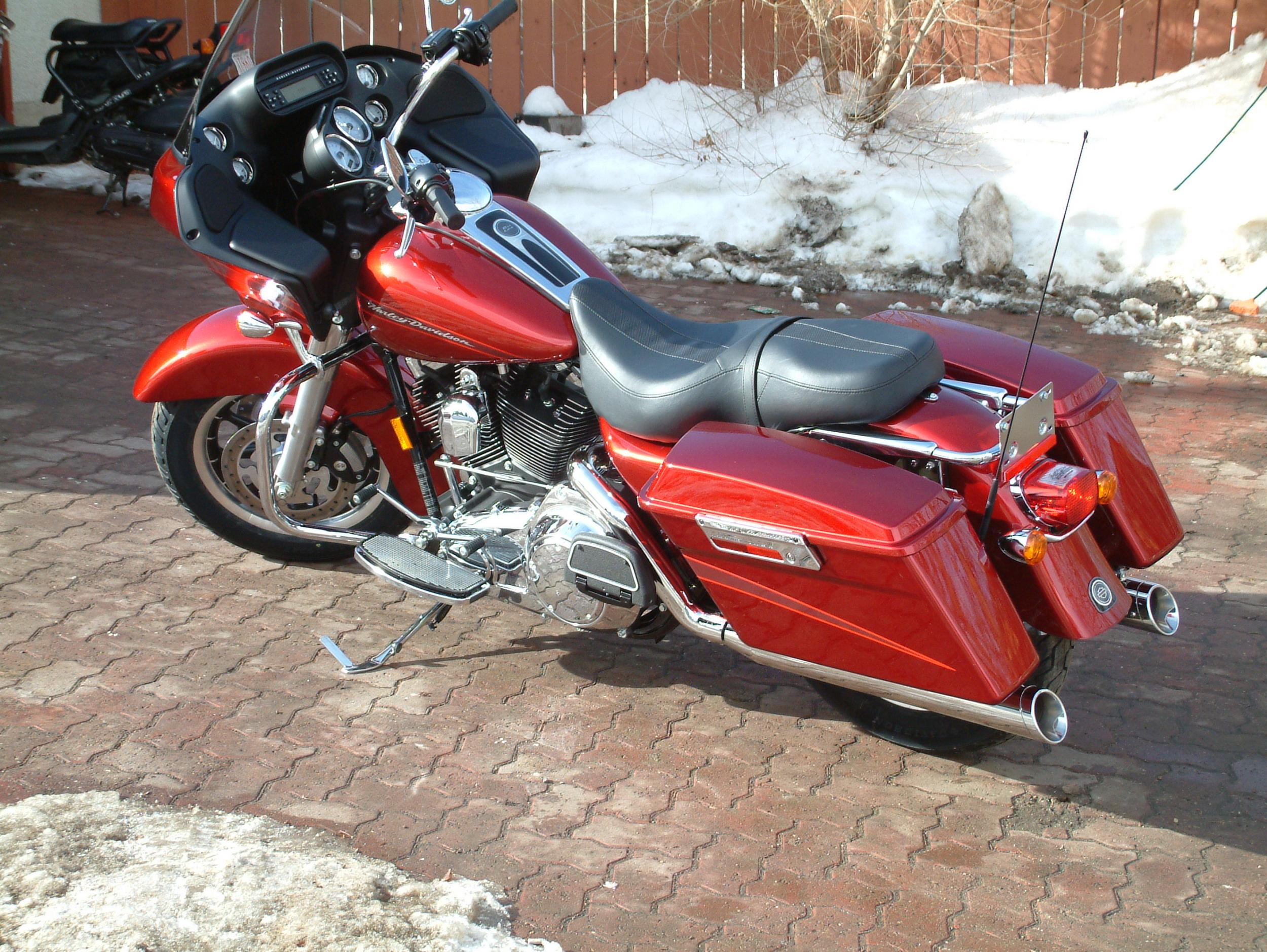 New toy next to the SRT8-08-road-glide-25-.jpg