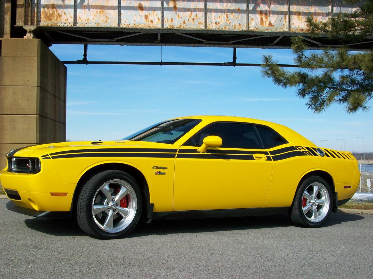 2004 Yellow Dodge Rumble Bee