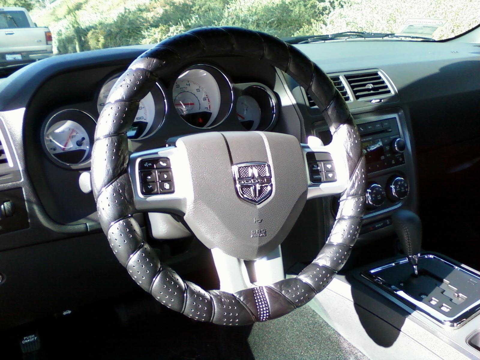 Steering wheel cover suggestions?-1205121203.jpg