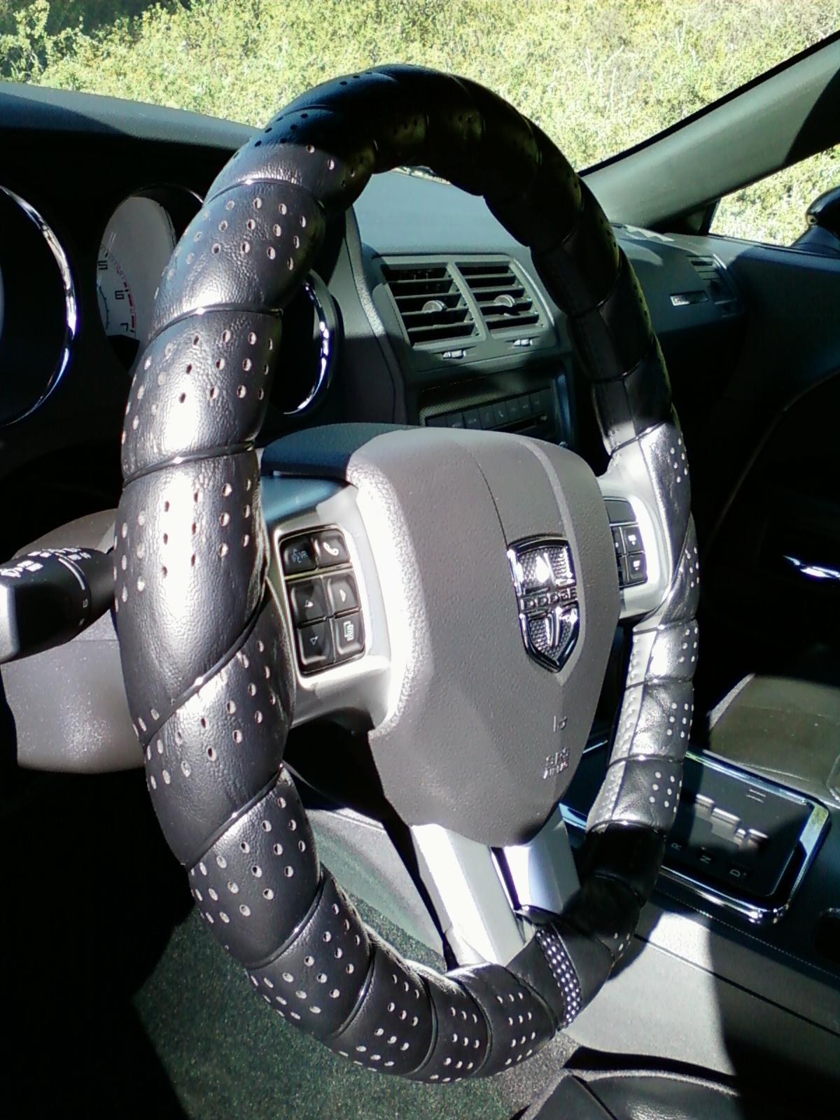 Steering wheel cover suggestions?-1205121203a.jpg