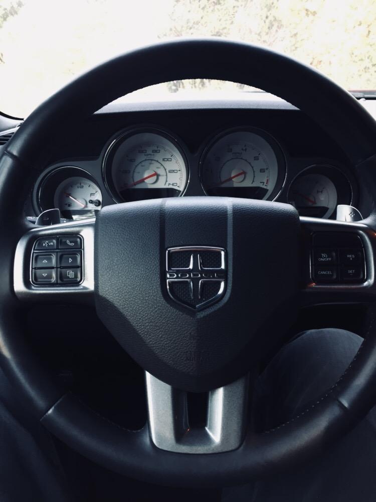 Steering wheel bezels color matched