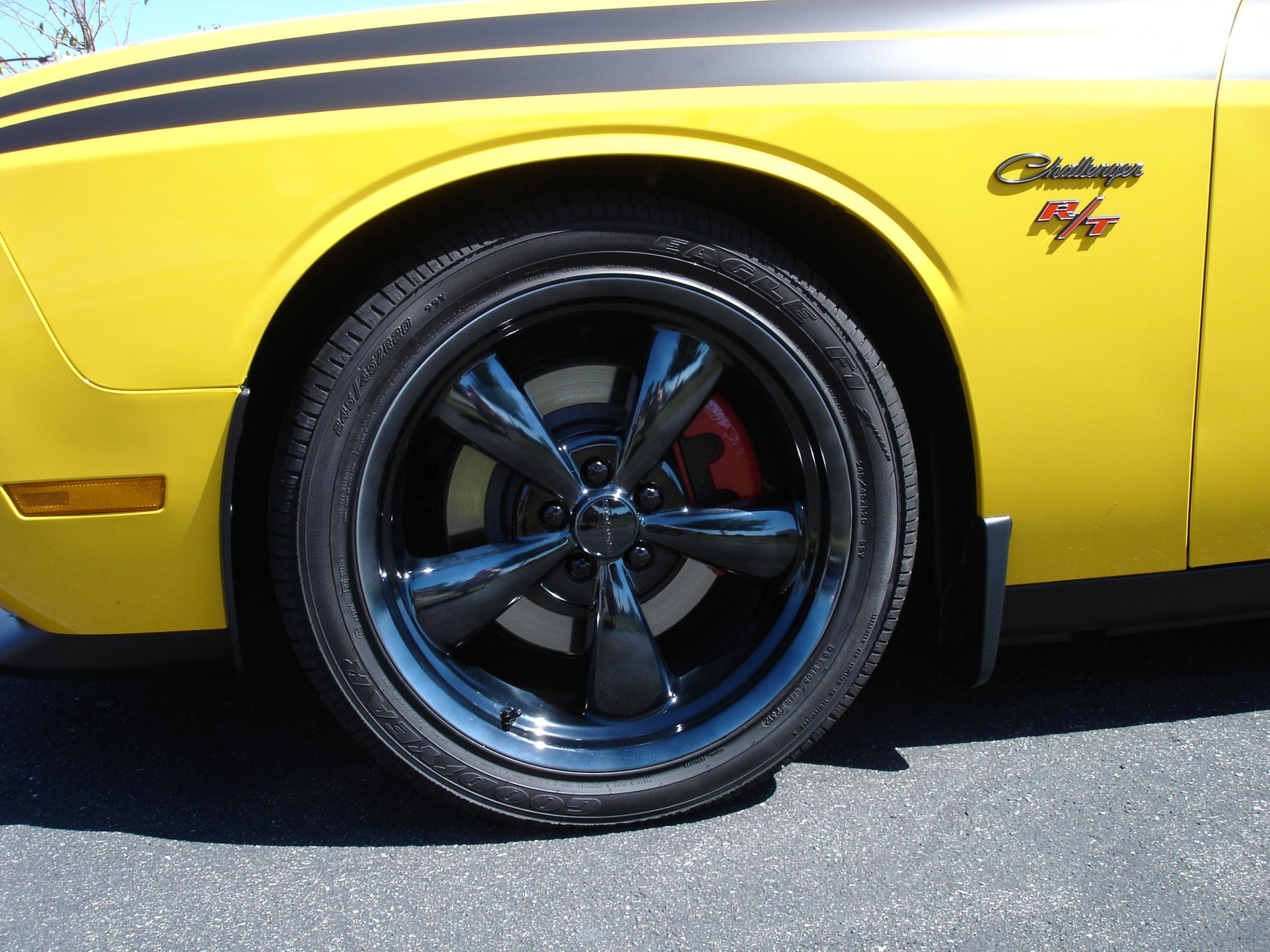 Dupli Color Caliper Paint and Black Chrome Wheels - Dodge ...