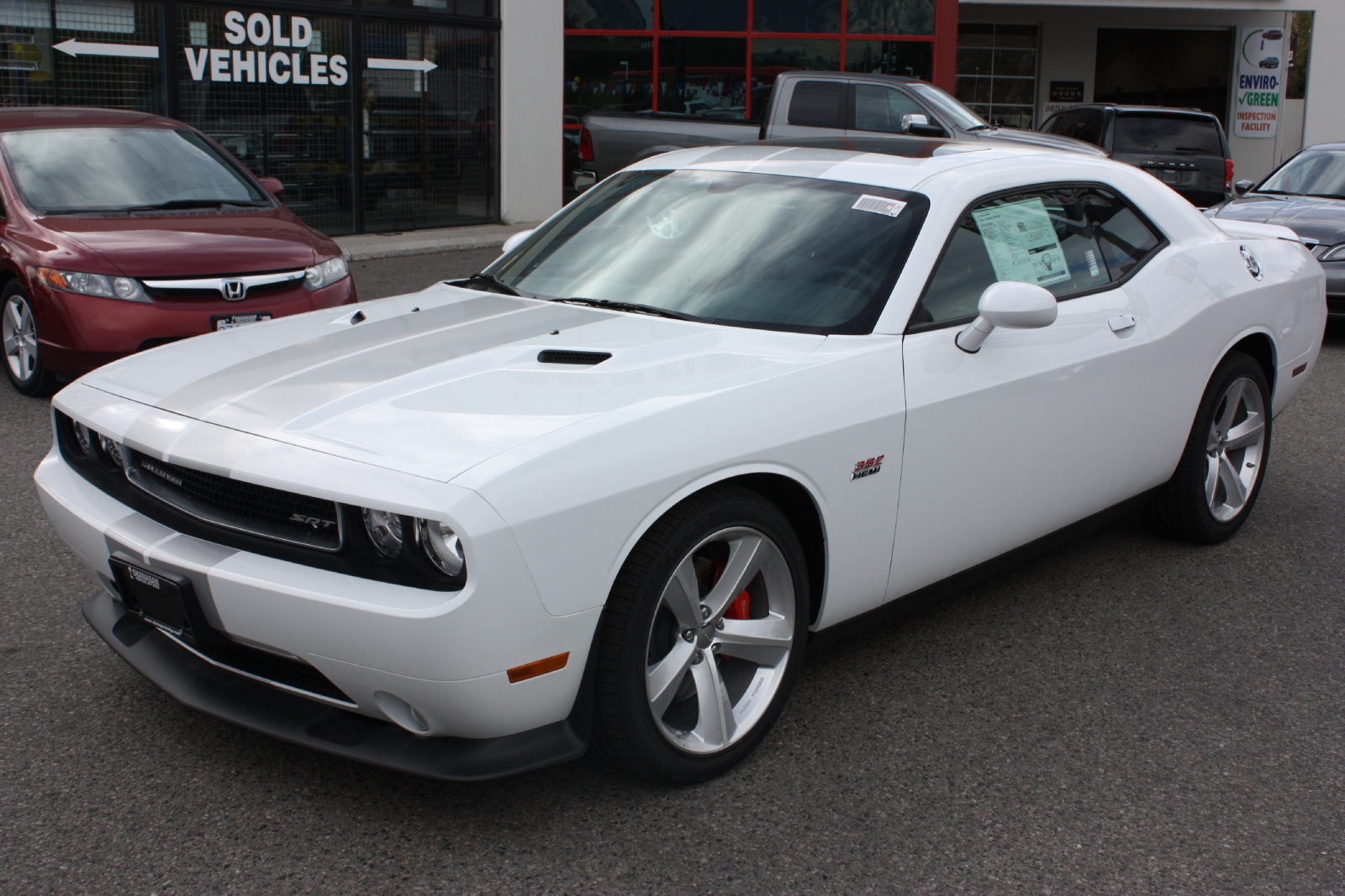 I want to see pics of white Challengers!-fa1d5b020a0d02b7009b774e6aace9f6.jpeg