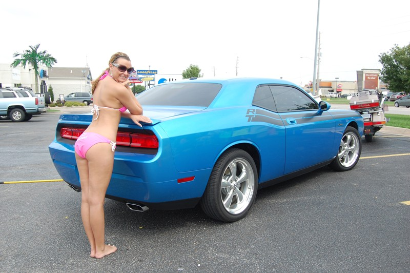 Post Pics Of Hot Girls And Challengers!!-hooters-car-wash-003.jpg