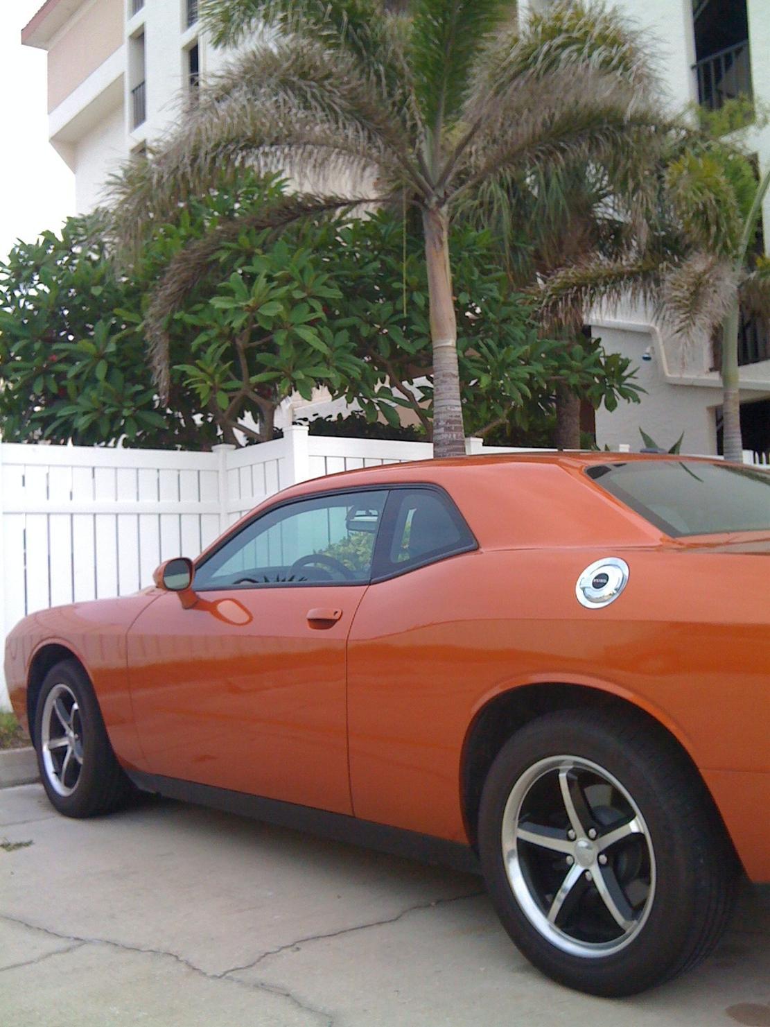 Toxic Orange Challengers-imageuploadedbyautoguide1317434253.315219.jpg