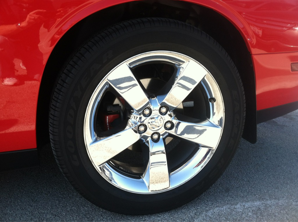 Largest rear tire on stock rims?-imageuploadedbyautoguide1331058675.034484.jpg