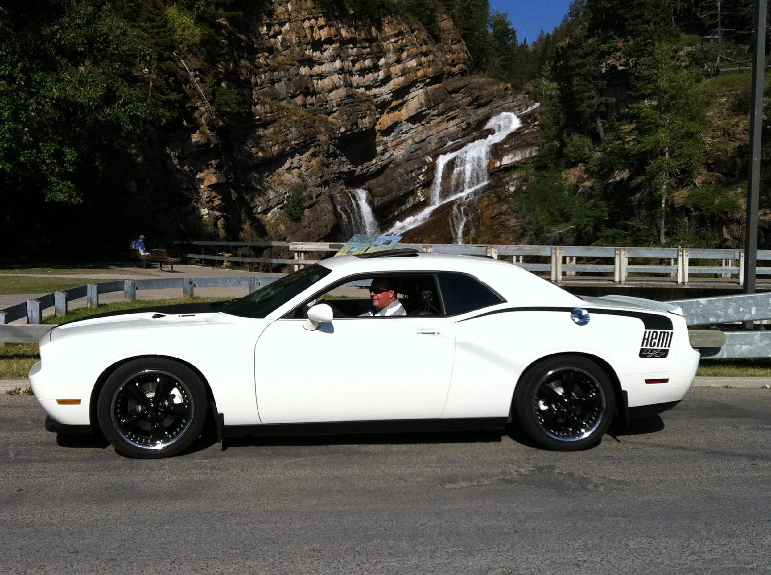 I want to see pics of white Challengers!-img_0525.jpg
