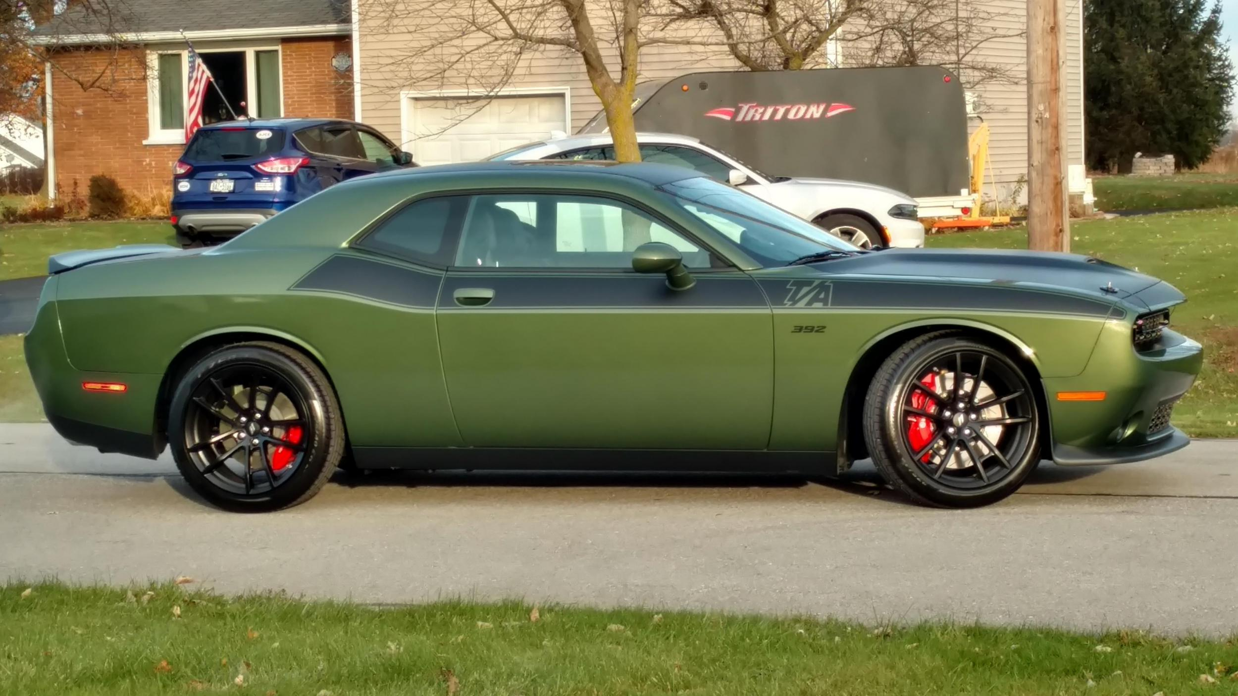 Does The F8 Green Looks A Bit Yellow Dodge Challenger Forum