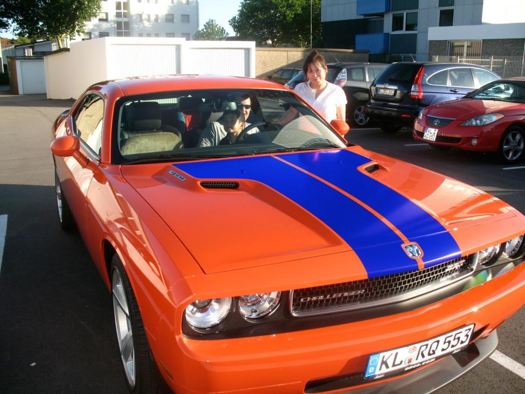 Anyone got a Hemi orange with Blue stripes?-picture1blue.jpg