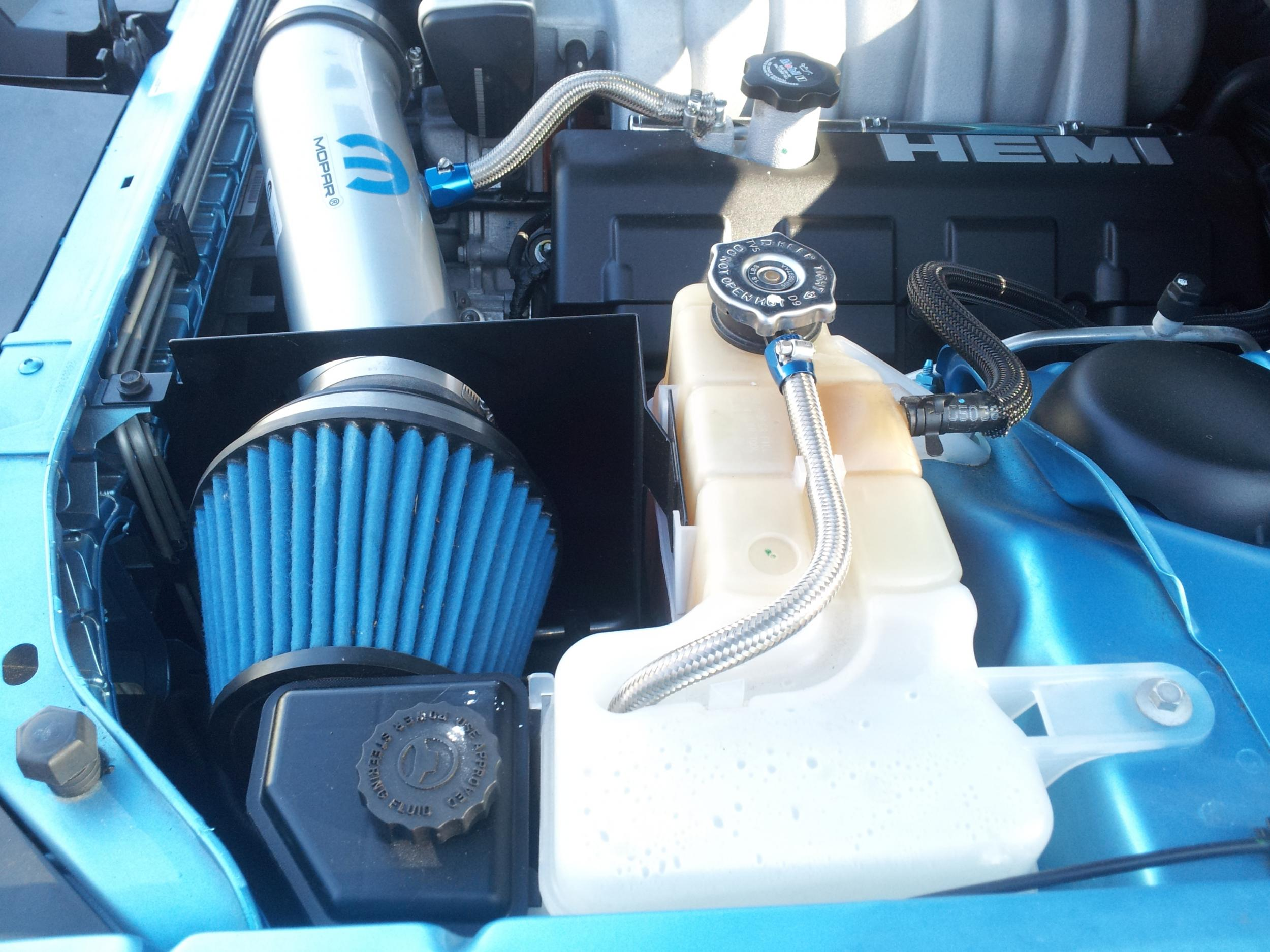 B5 Blue Owners-radiator-crankcase-breather-hose.jpg