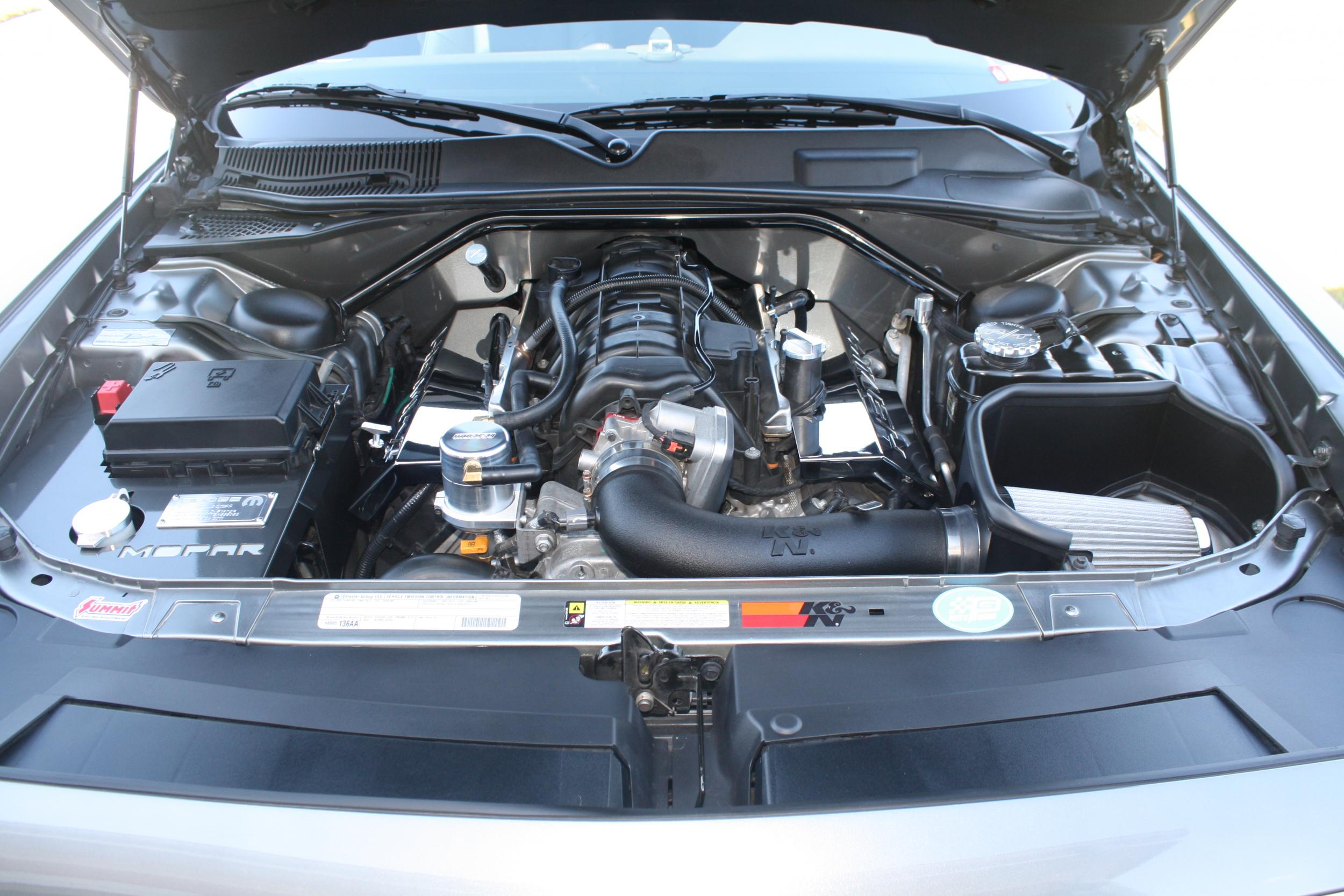 Post your silver and grey pics here-rt2011-front-engine-detail.jpg