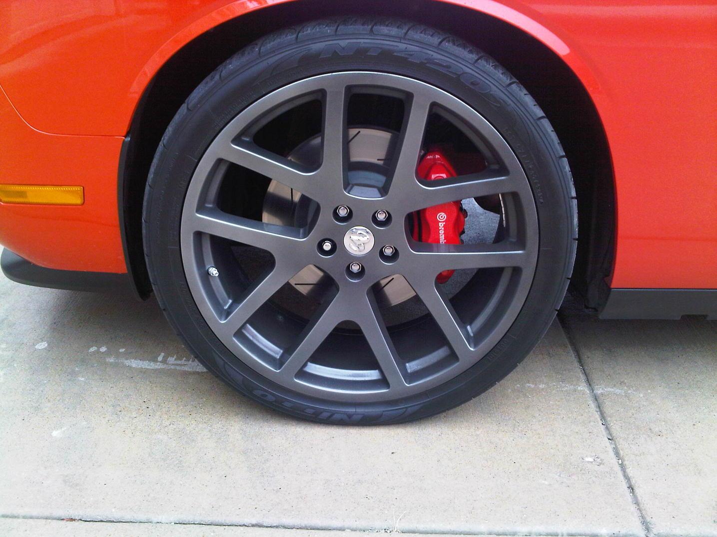 Graphite+grey+wheels