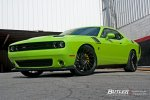 Dodge_Challenger_RT_Scat_Pack_on_22in_Vossen_VPS-305T_Wheels_51_16361_large.jpeg